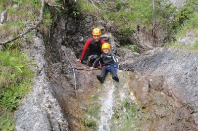familien_canyoning_pfrillabach_p8144857.jpg